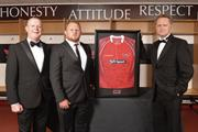 Scarlets Rugby star Samson Lee with Gareth Hankins (l) and chris Pockett (r) (image courtesy of Scarlets Rugby)