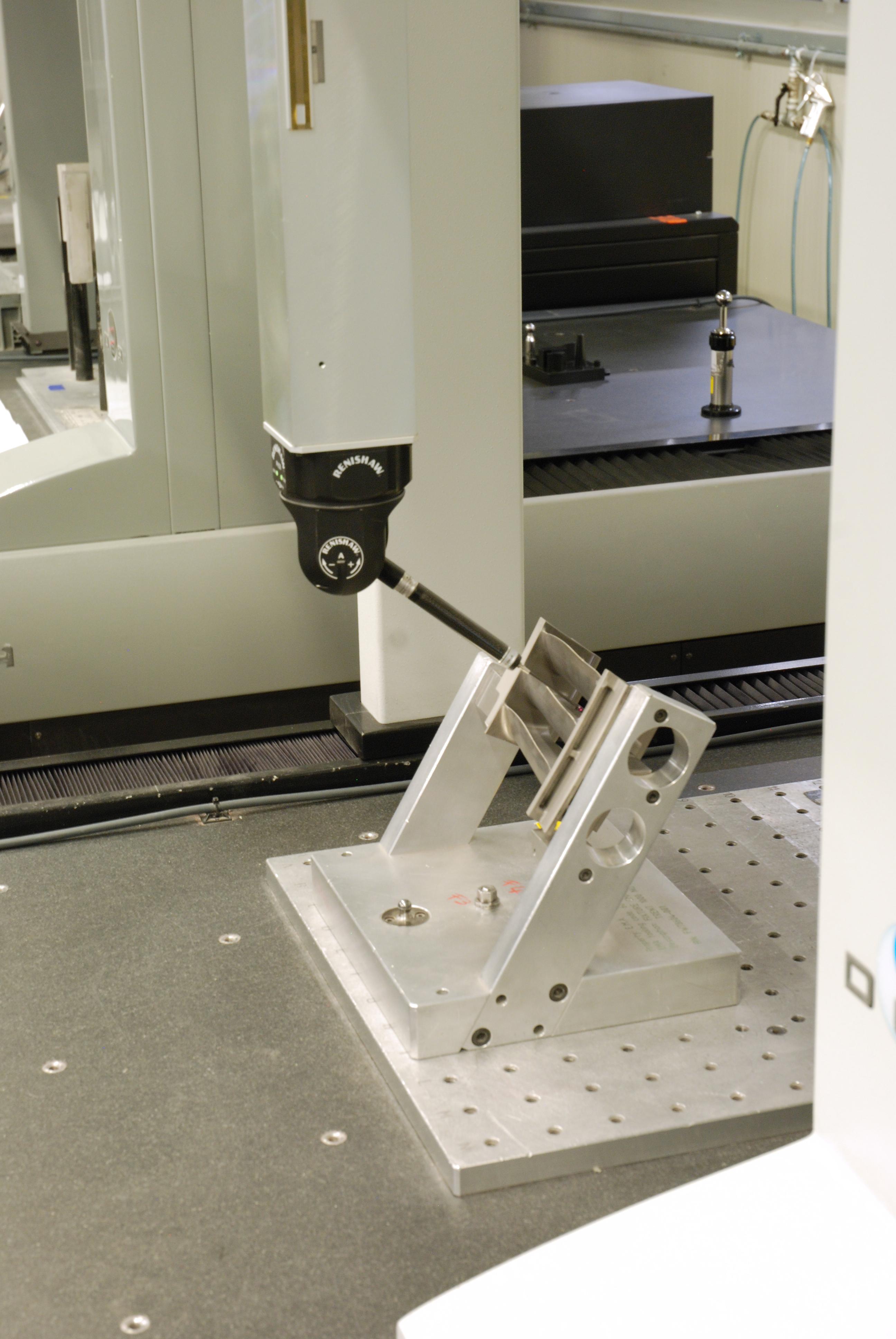 65fc9751edee PH20 inspecting AEREO – EMA's multivanes