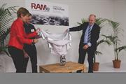Beppie Holm, Warwick Downing and Minister Steven Joyce unveiling the RAM3D statue (image: RAM3D)