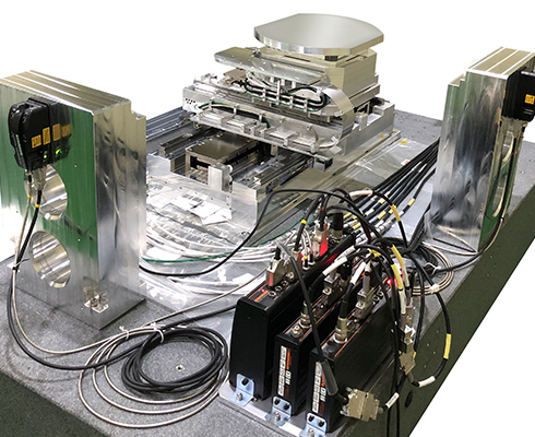 Vacuum stage, for semiconductor wafer inspection (AOI), fitted with RLE laser encoder system
