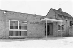1976 First commercial premises