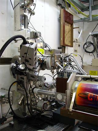 Custom XAFS-Raman solution in use at a synchrotron